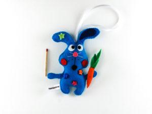 Lapin bleu et carotte