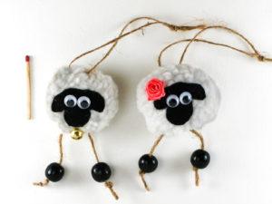 Décoration de Noël couple de moutons