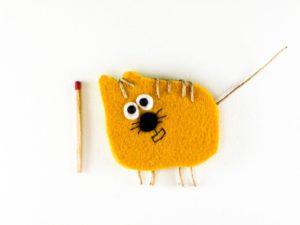 Magnet chat jaune en feutrine